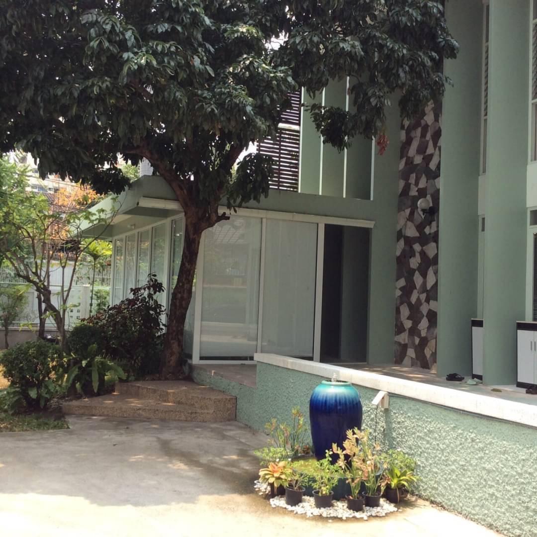 sukhumvit property BHA20120829 For Rent