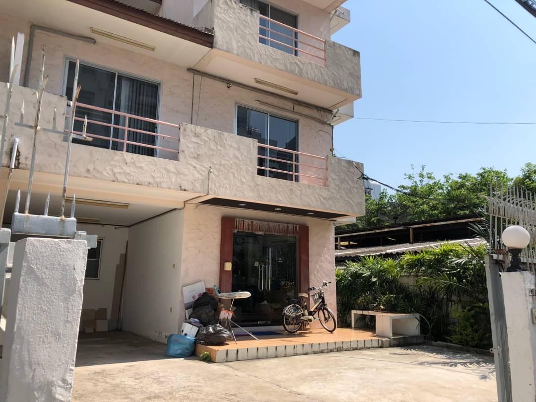 sukhumvit property BHA20120811 For Rent